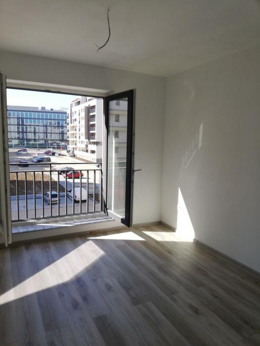 Apartamet 3 camere, rezidential/ birouri, NEMOBILAT, zona Coresi Mall, disponibil imediat