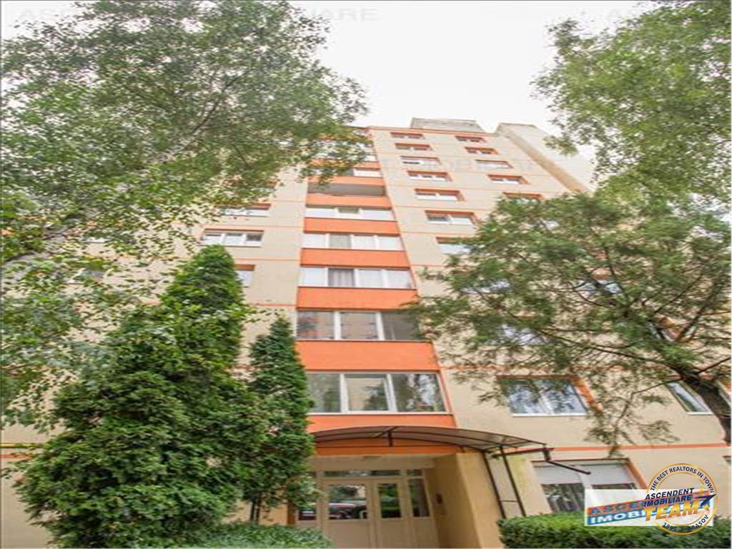 OFERTA TRANZACTIONATA!!! Apartament 3 camere, decomandat, insorit, vedere panoramica, Astra