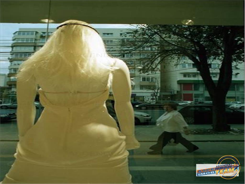 OFERTA REZERVATA!!!OPORTUNITATE! Spatiu comercial vitrinat, Brasov, Centru Civic