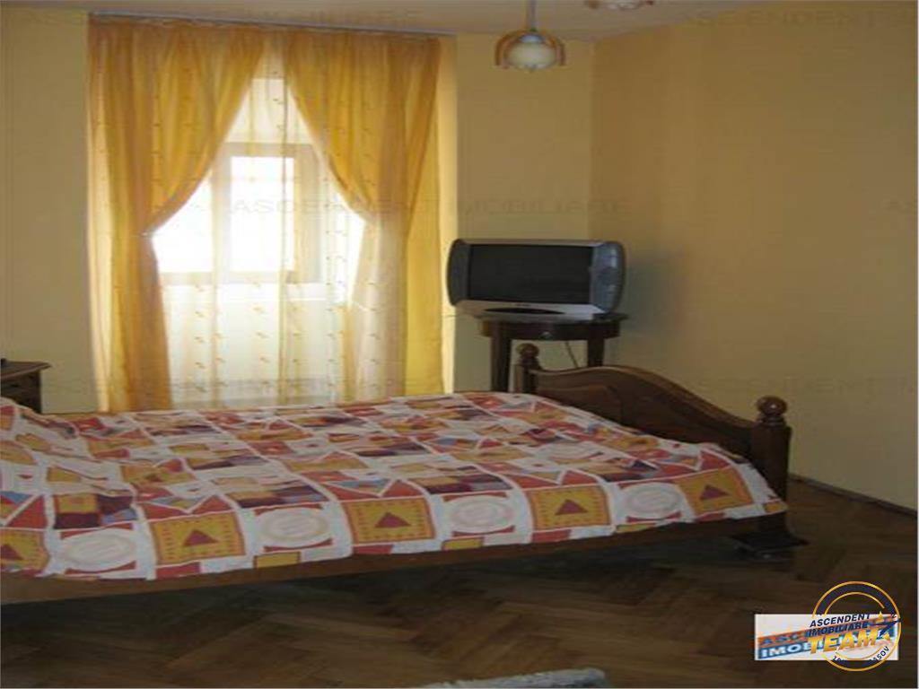 Apartament complet renovat, Central, Piata Sfatului Brasov