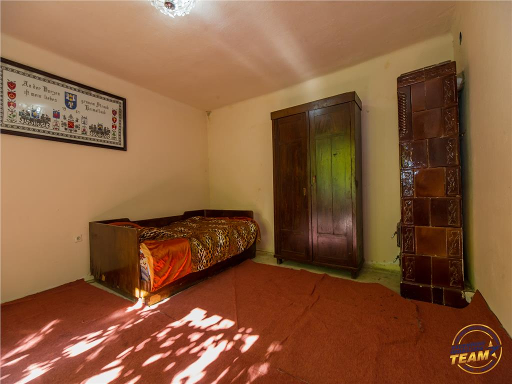 OFERTA TRANZACTIONATA!! Casa original saseasca, cu peste 1.700 mp teren, Sanpetru