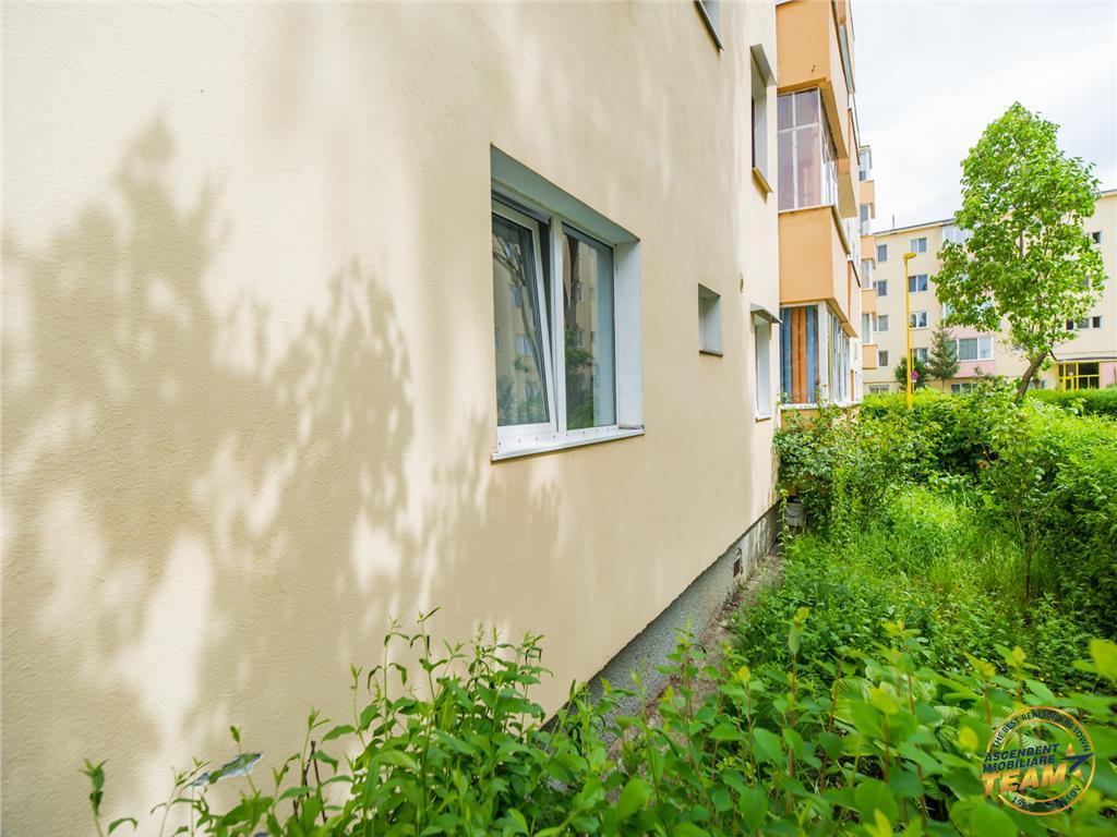 OFERTA TRANZACTIONATA!!Apartament decomandat, in ambianta verdelui, insorit pozitionat,Brasov