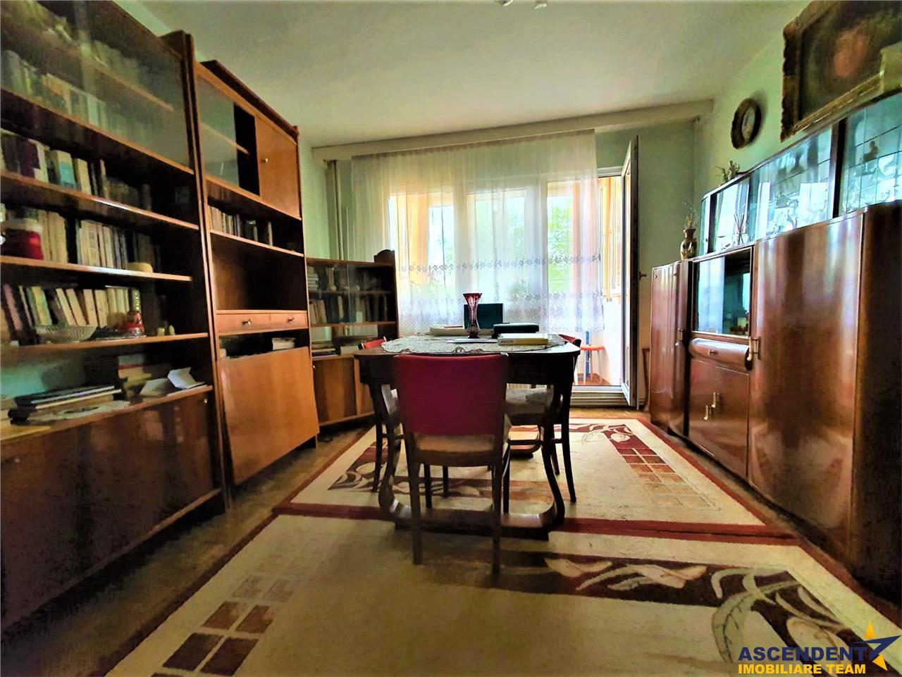 Apartament spatios doua camere, Brasov