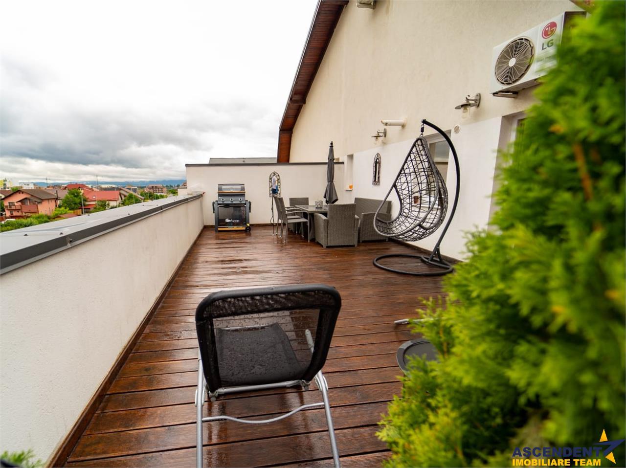 OFERTA REZERVATA!! Proprietate pe doua nivele, segmentul Special, terasa 40mp, Brasov