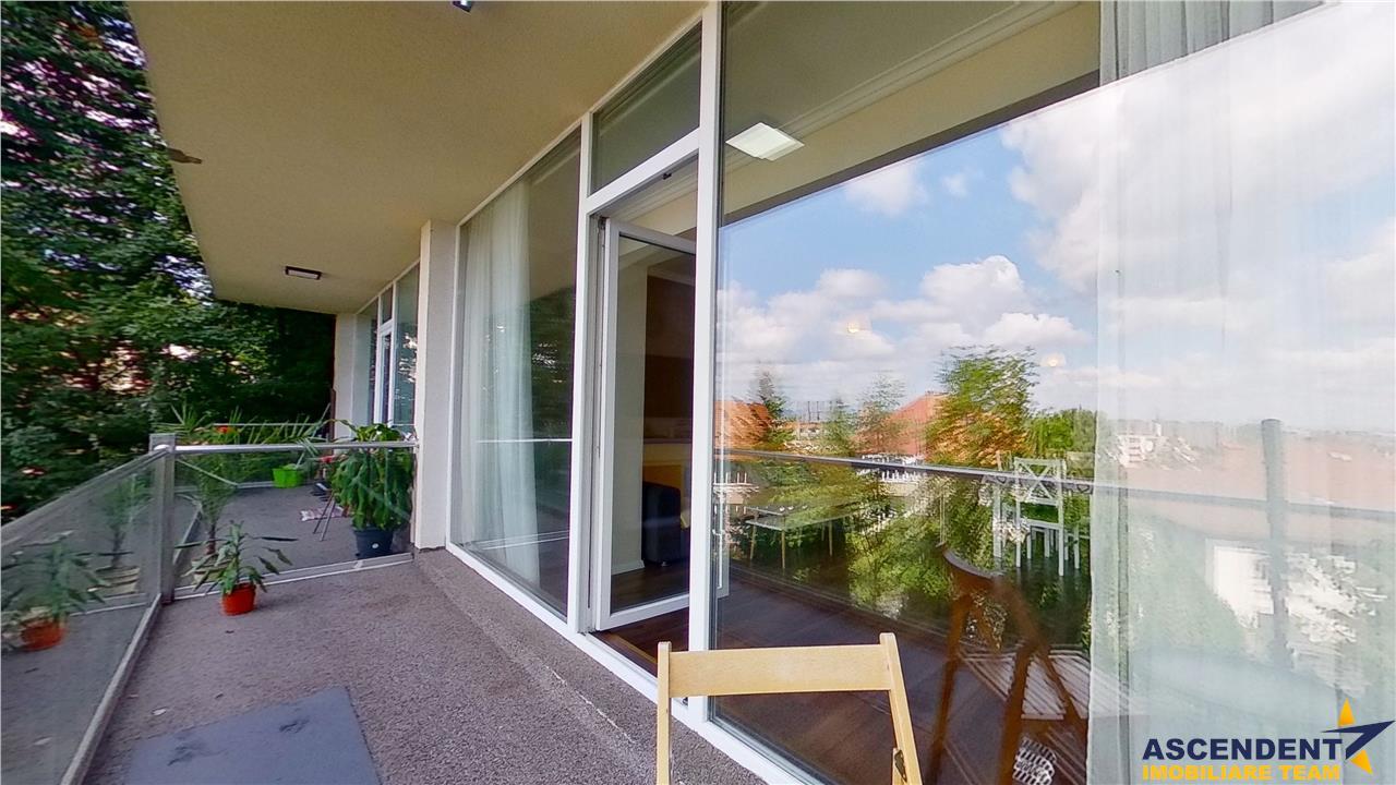 EXPLOREAZA VIRTUAL! Resedinta in vila, terasa, loc parcare, Ultracentral, Brasov