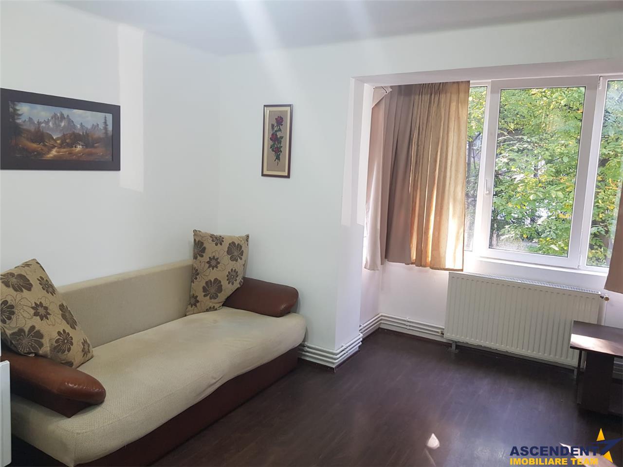Generos apartament, decomandat structurat, Centrul Civic Brasov