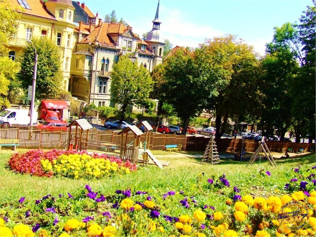 Doua nivele, spectaculos view, armonizate de terase, Calea Poienii, Brasov