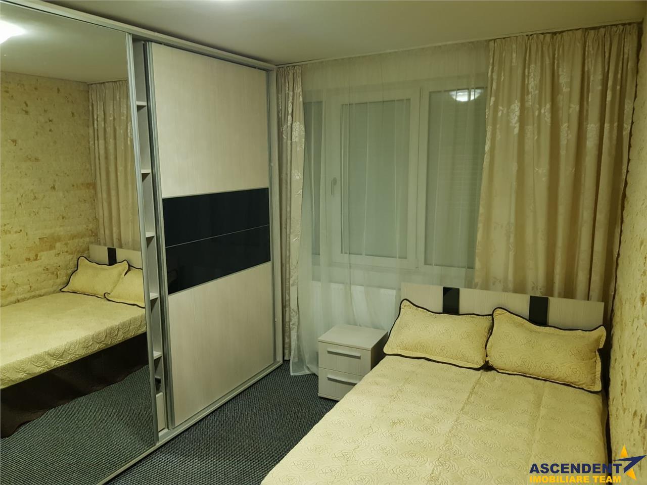 OFERTA REZERVATA!! Apartament spatios si calduros, decomandat, Bdul Victoriei, Brasov