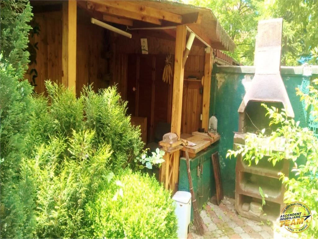 OFERTA REZERVATA!! Nivel in vila, cu garaj, terasa si acces propriu, Central, Brasov