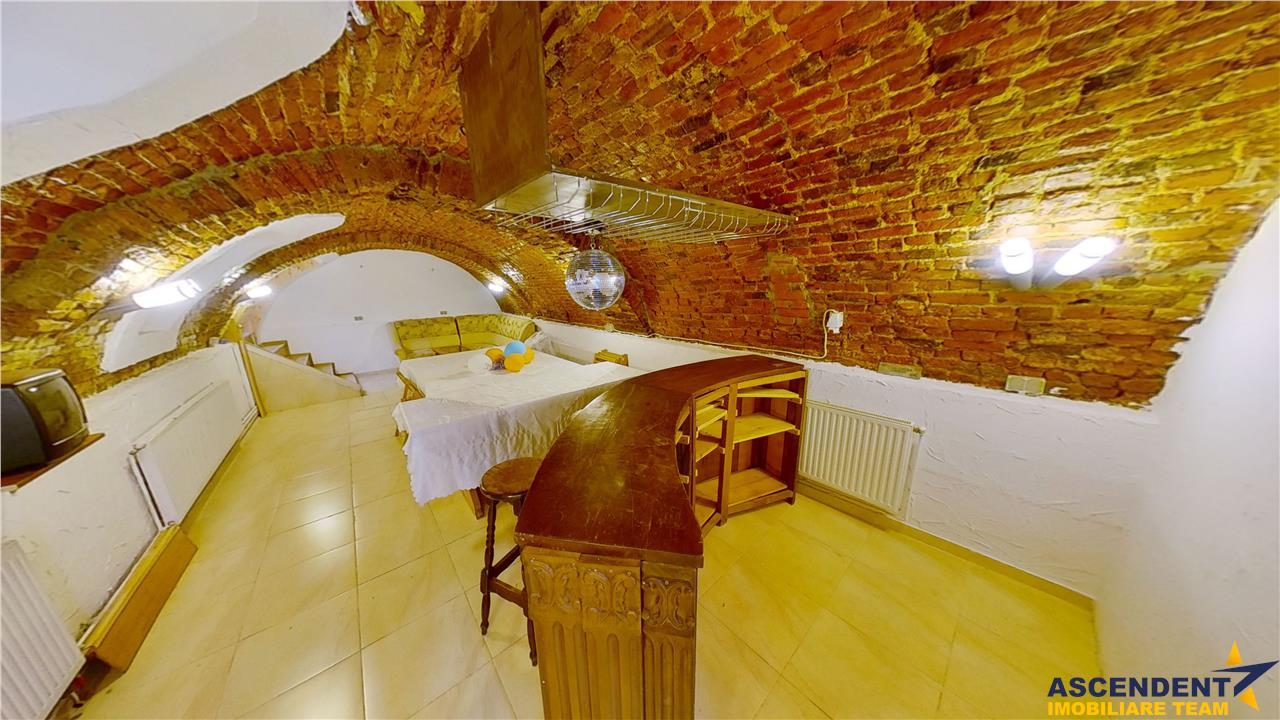 EXPLOREAZA VIRTUAL! Crama pe 60 mp, Centrul Istoric, Brasov