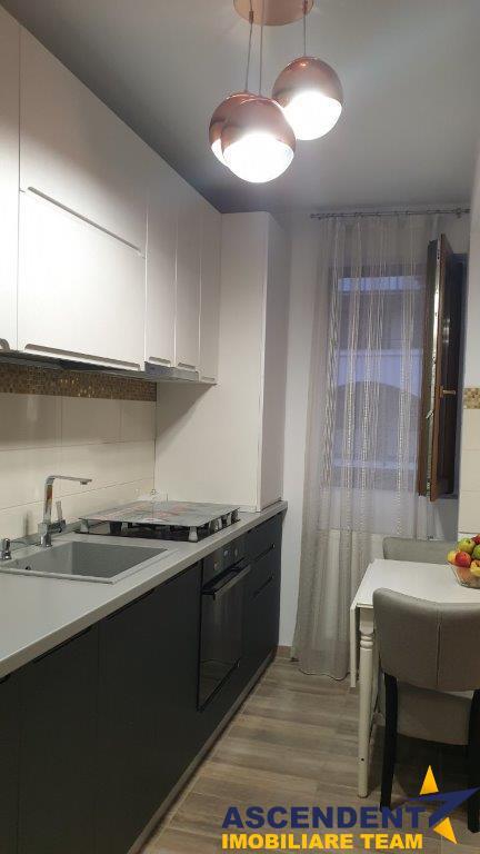 Resedinta in vila, terasata pe L, acces pe circuit inchis , design Lux, dotari speciale