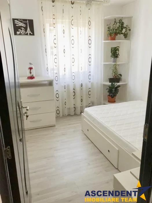 OFERTA REZERVATA!!! Apartament primitor si calduros, zona Florilor