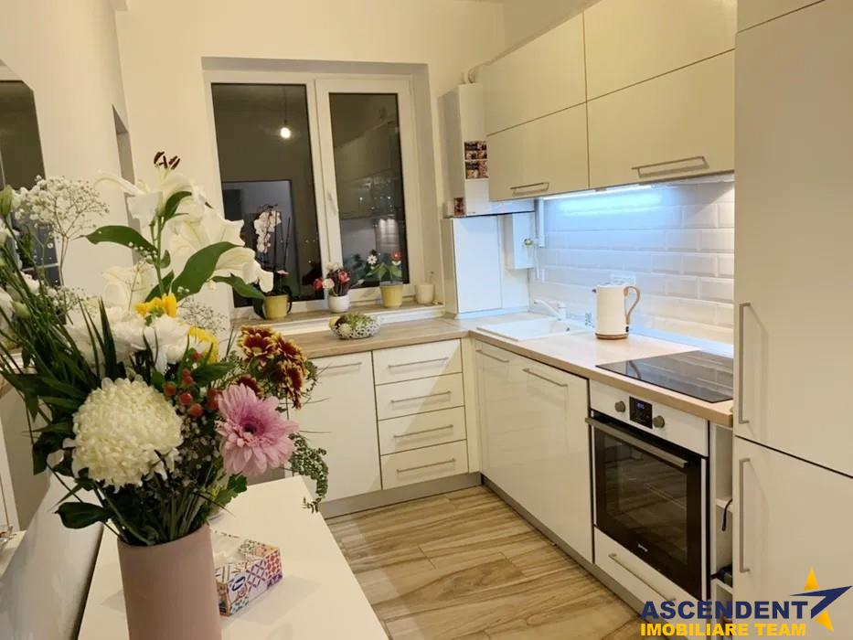 OFERTA REZERVATA!! Apartament 2 camere, acces gradina, in liniste deplina, Central, Brasov