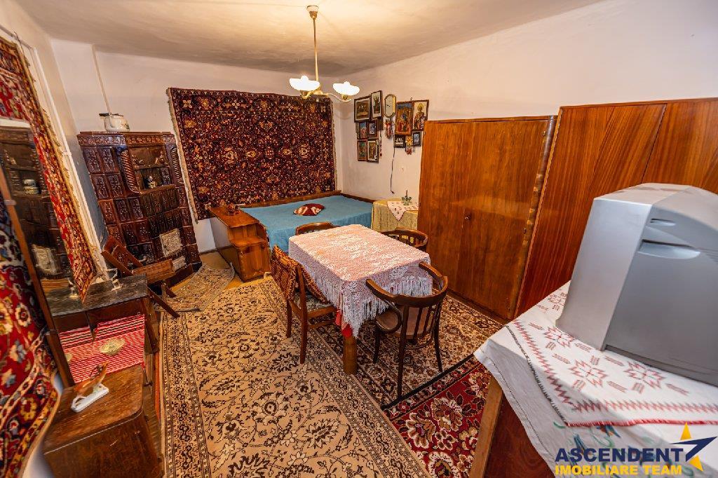 EXPLOREAZA VIRTUAL! Casa bunicii, deschisa pentru afacerea ta, in vatra romanilor brasoveni