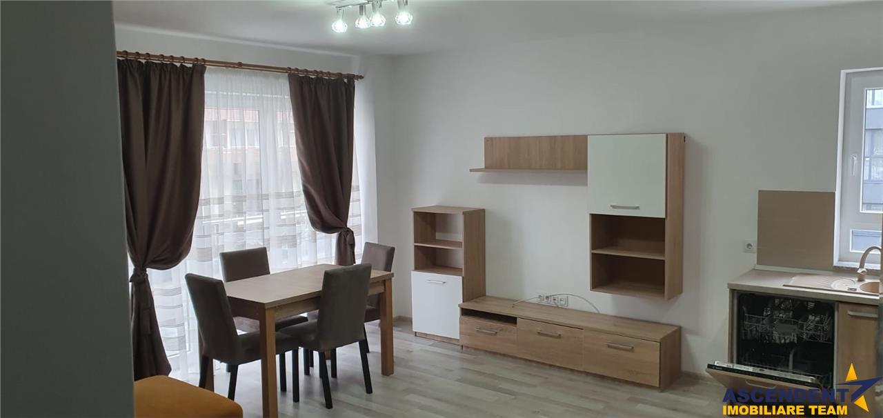 Apartament insorit si calduros, de trei camere, zona Coresi