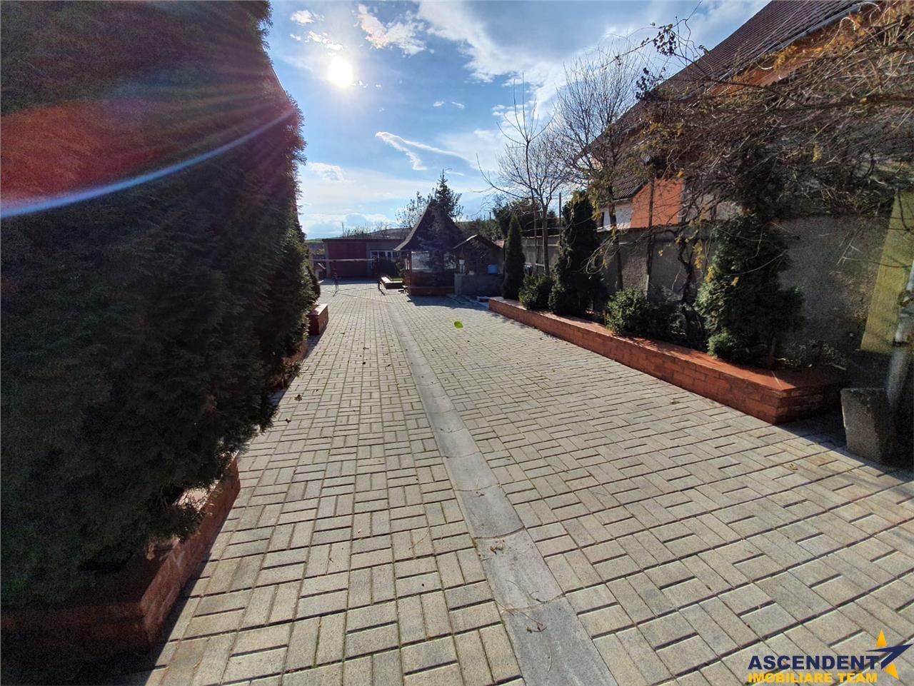Pe domeniu de 3.000 mp, apreciabil Imobil, Rotbav, Brasov