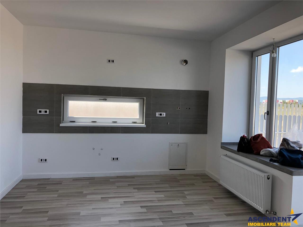 Vila, tip duplex, Ghimbav, Brasov