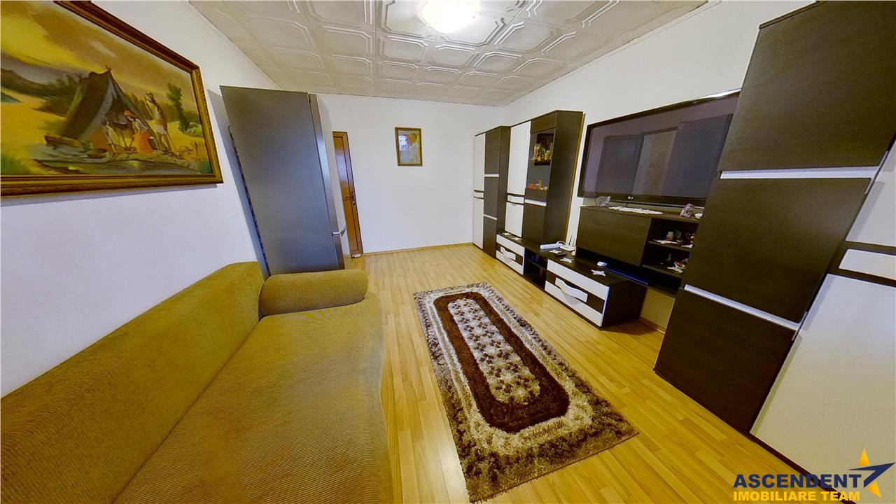 OFERTA TRANZACTIONATA! Luminoasa rezidenta, decomandat structurata, apreciata zonare