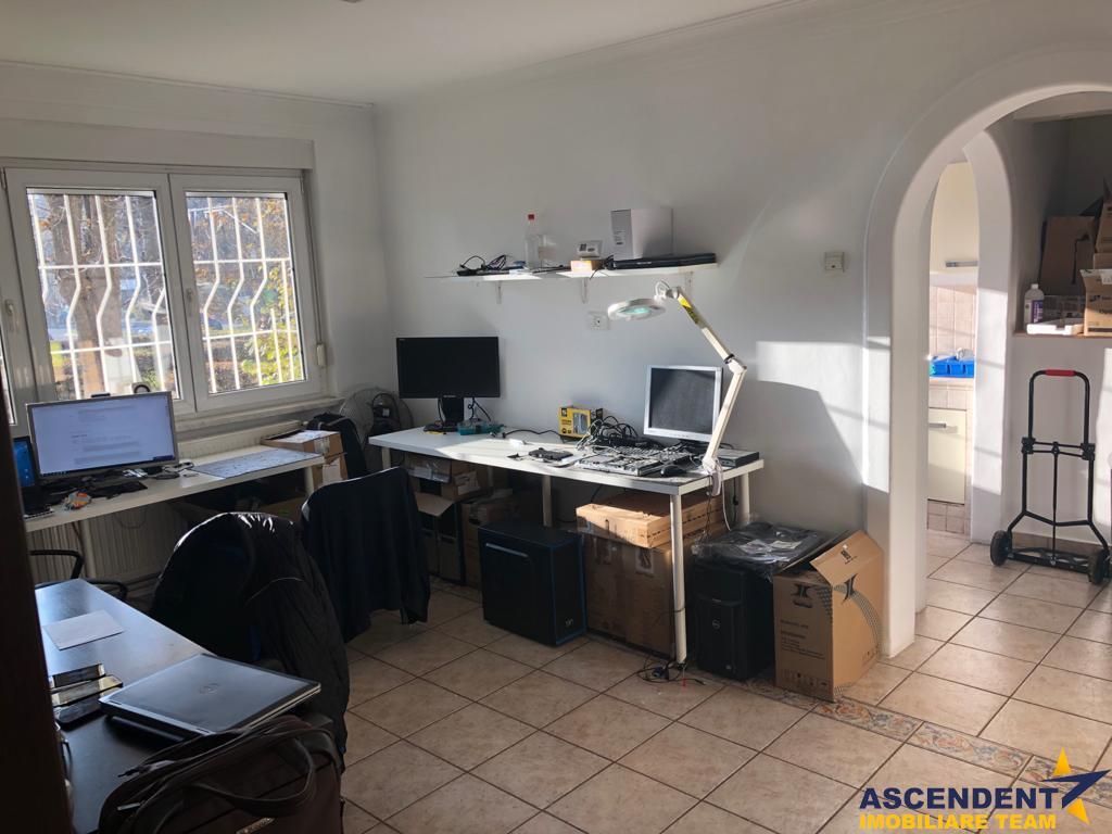 OFERTA TRANZACTIONATA!! Apartament 3 camere, destinație locuință/birou, in infrastructura locala