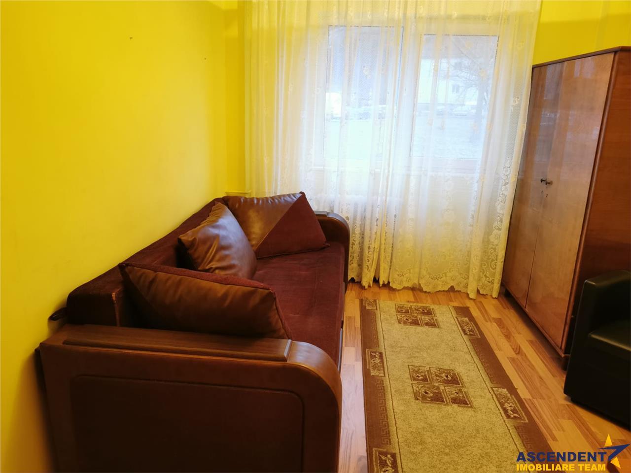 Oportunitate cu 3 camere, in cartierul Racadau