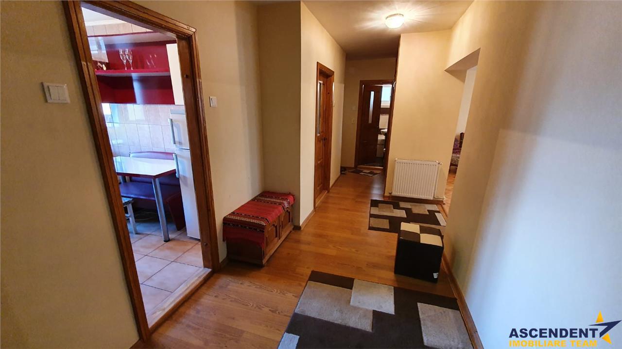 Apartament cu 3 camere, Centrul Civic