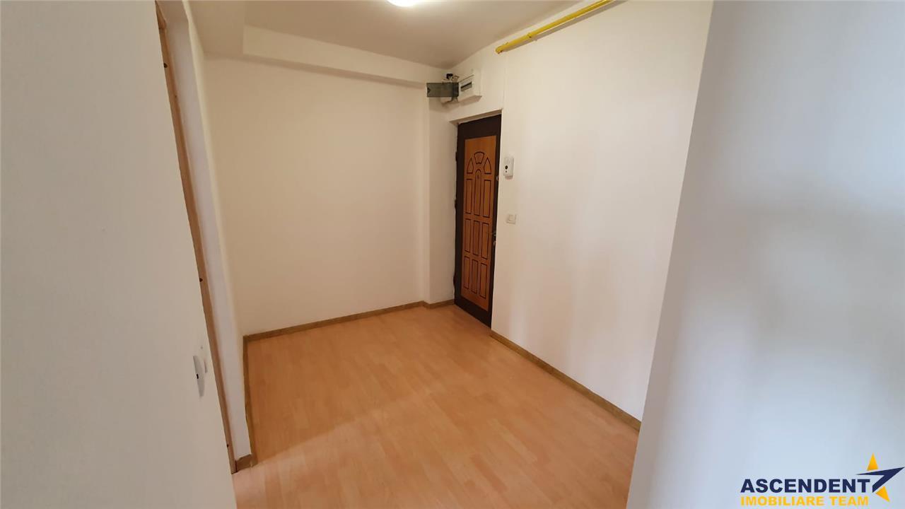 OFERTA REZERVATA!! Apartament 3 camere, decomandat, apreciata zonare, Calea Bucuresti