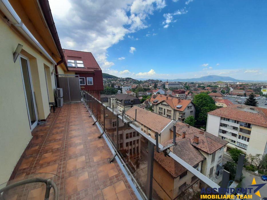 Penthouse cu vedere asupra orasului, terasa, Central, Brasov