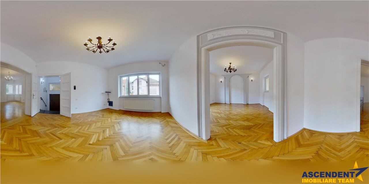 OFERTA REZERVATA! EXPLOREAZA VIRTUAL! Eleganta si rafinament, pe doua nivele, Central, Brasov