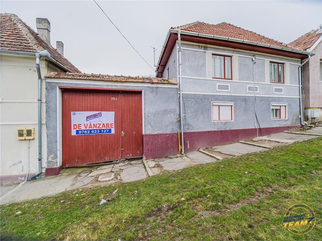 Casa speciala - traditionala, cu 457 mp teren, Centru - Rupea, Brasov