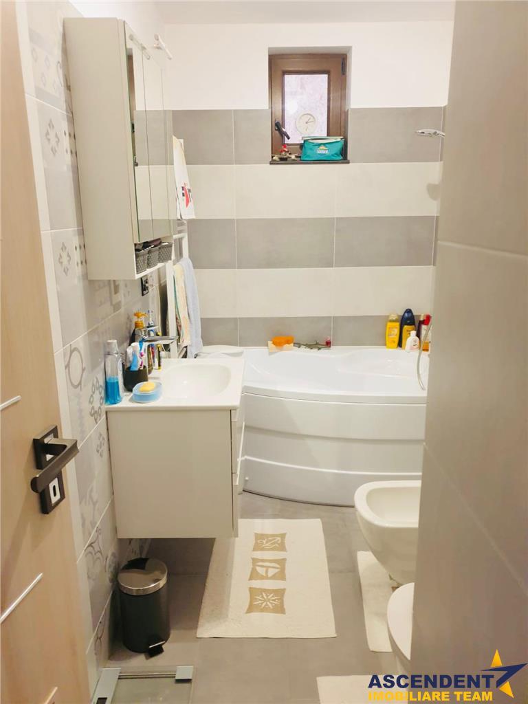 Apartament cu trei camere în casa,imbratisat de verde, Sacele, Brasov