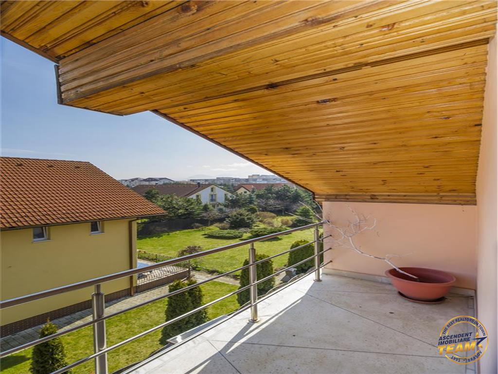 Vila galanta, cu 3 imobile distincte, in armonia unui teren de 1.100mp