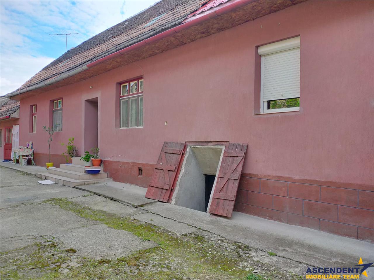 Casa pe 1.800 mp teren, Brasov, Crisbav