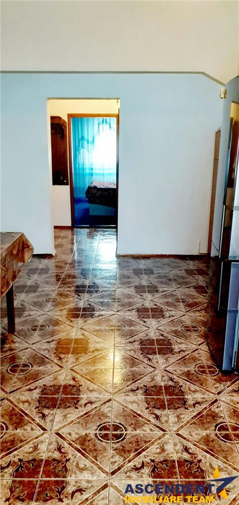 OFERTA REZERVATA! Apartament 3 camere, luminos si cochet, zona Racadau, Brasov