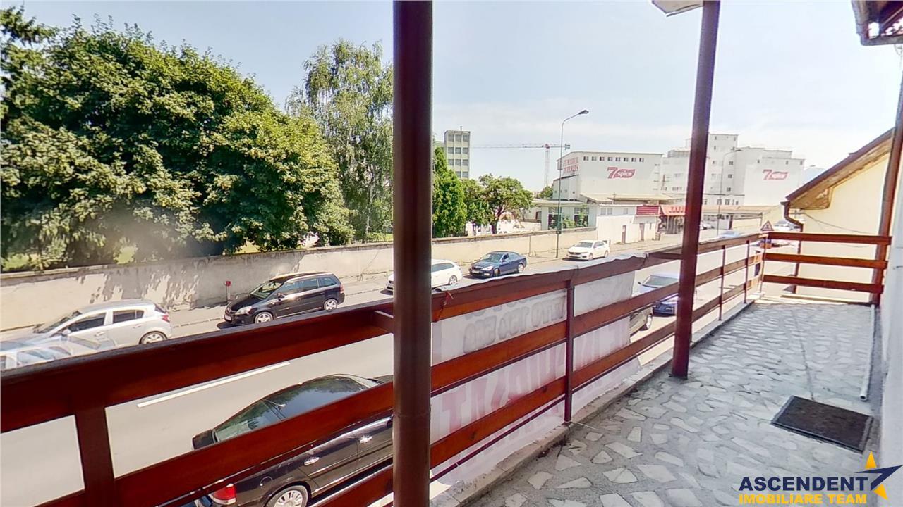 EXPLOREAZA VIRTUAL! Proprietate versatila, cu terasa, Central, Brasov