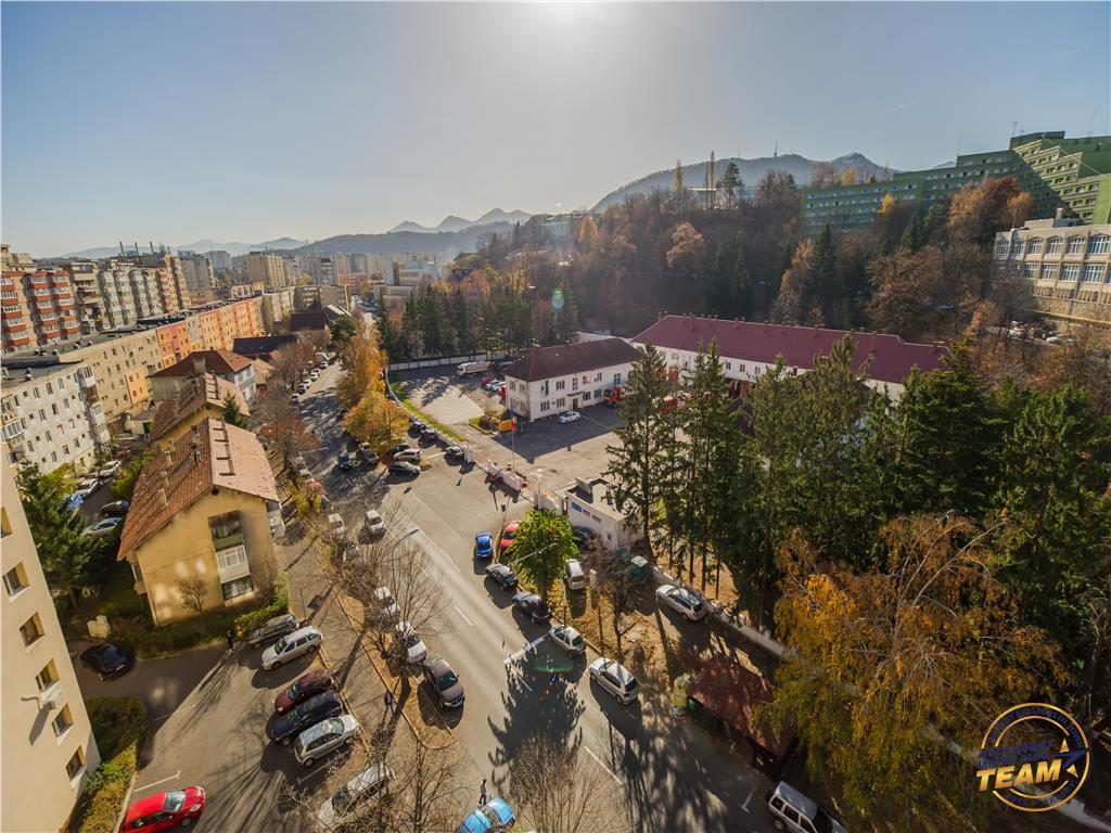 Garsoniera insorita, pozitie panoramica, Aula Universitatii,  Brasov