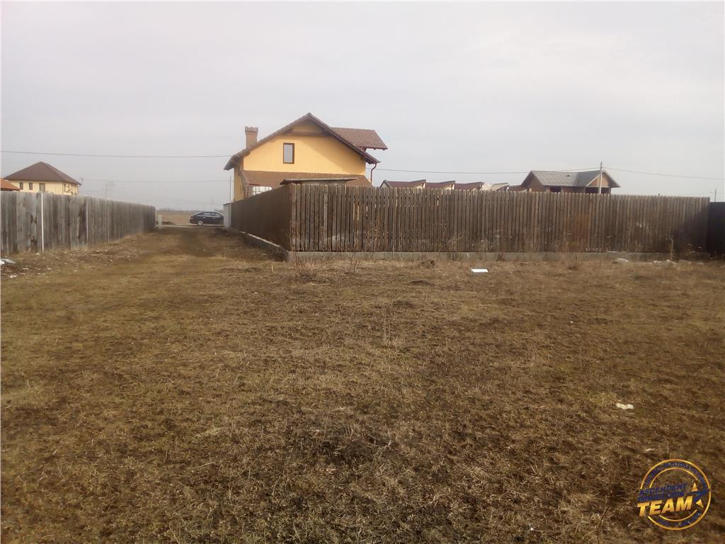 772 mp teren, intre case, Sanpetru, Brasov, destinat unei vile clasa A