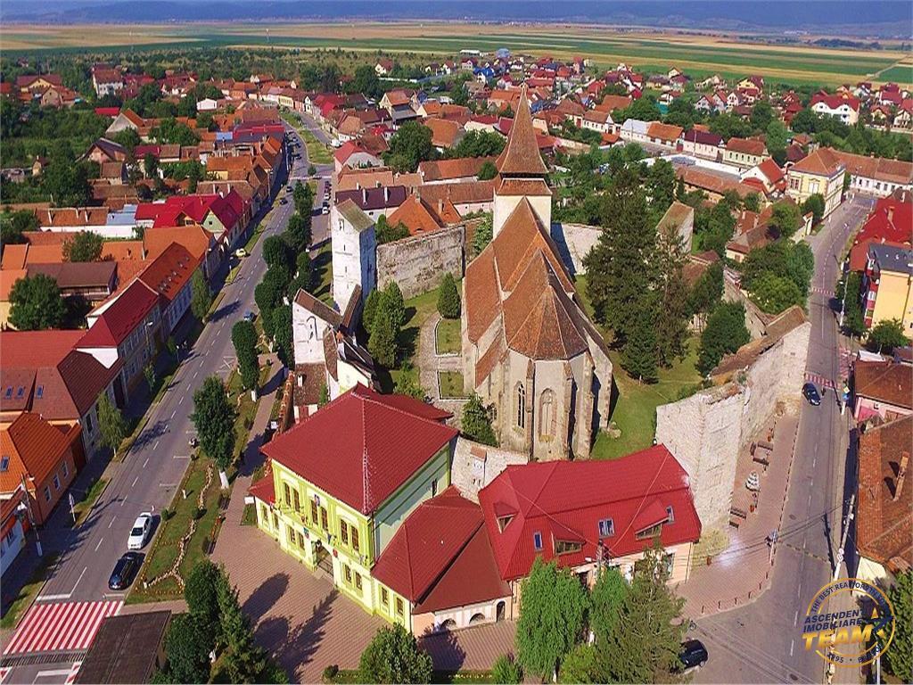 OFERTA REZERVATA!!! Proprietate in inima localitati istorice Ghimbav, compozitie reprezentativa