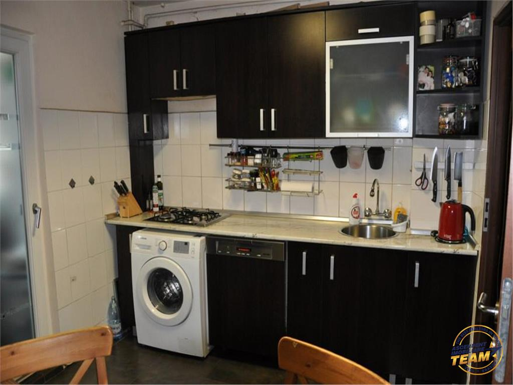 OFERTA TRANZACTIONATA!!!! Apartament insorit, etaj 1, cu 2 balcoane, Tractorul, Brasov