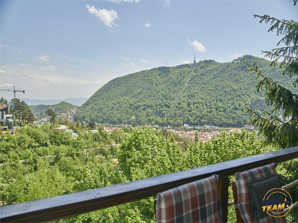 OFERTA REZERVATA! Vila superba, cu priveliste panoramica asupra Brasovului Vechi