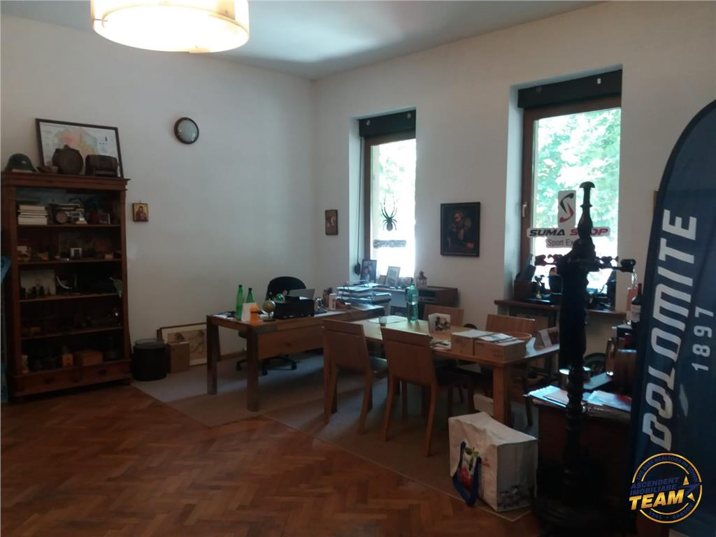 Spatiu pretabil clinica, cabinet, birouri, agentie etc. Central, Brasov
