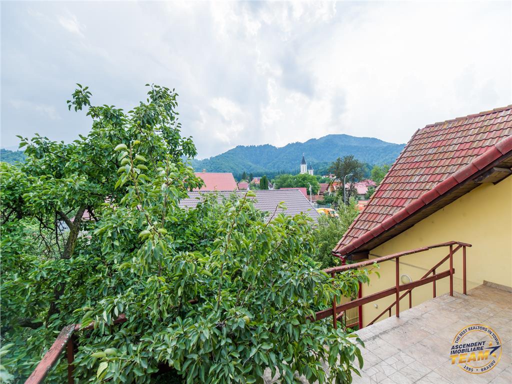 OFERTA TRANZACTIONATA!! Speciala Vila, 6 camere, garaj, peste 700 mp teren, zonare in grad inalt, Brasov