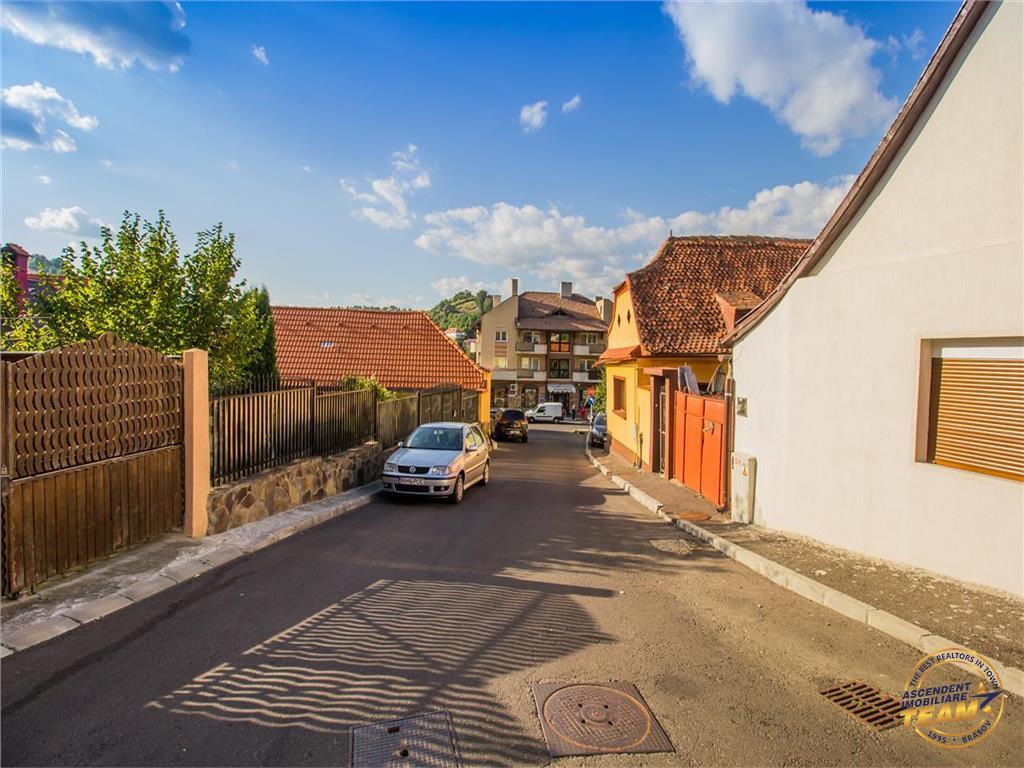 OFERTA TRANZACTIONATA!!!!! Casa singura in curte,zona sub mantie de istorie si cultura, Brasov