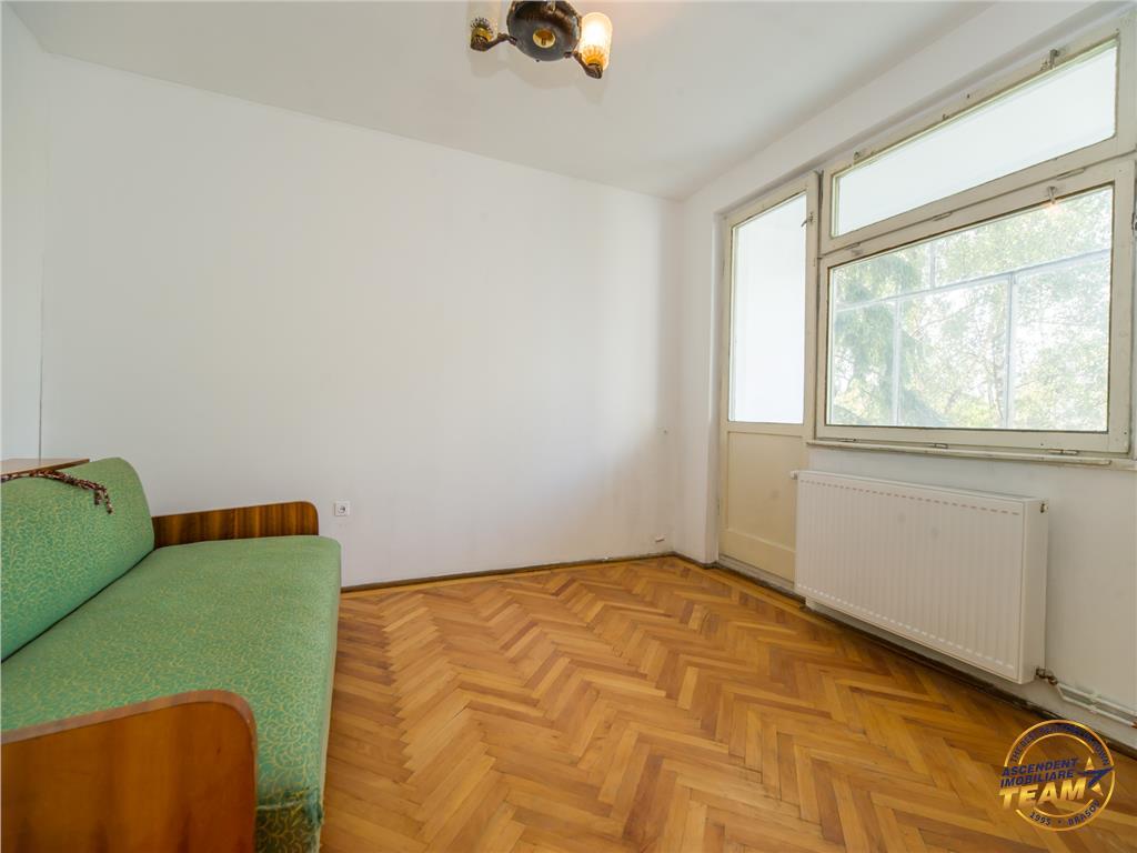 Apartament luminos, zonare in verde, Central, Brasov
