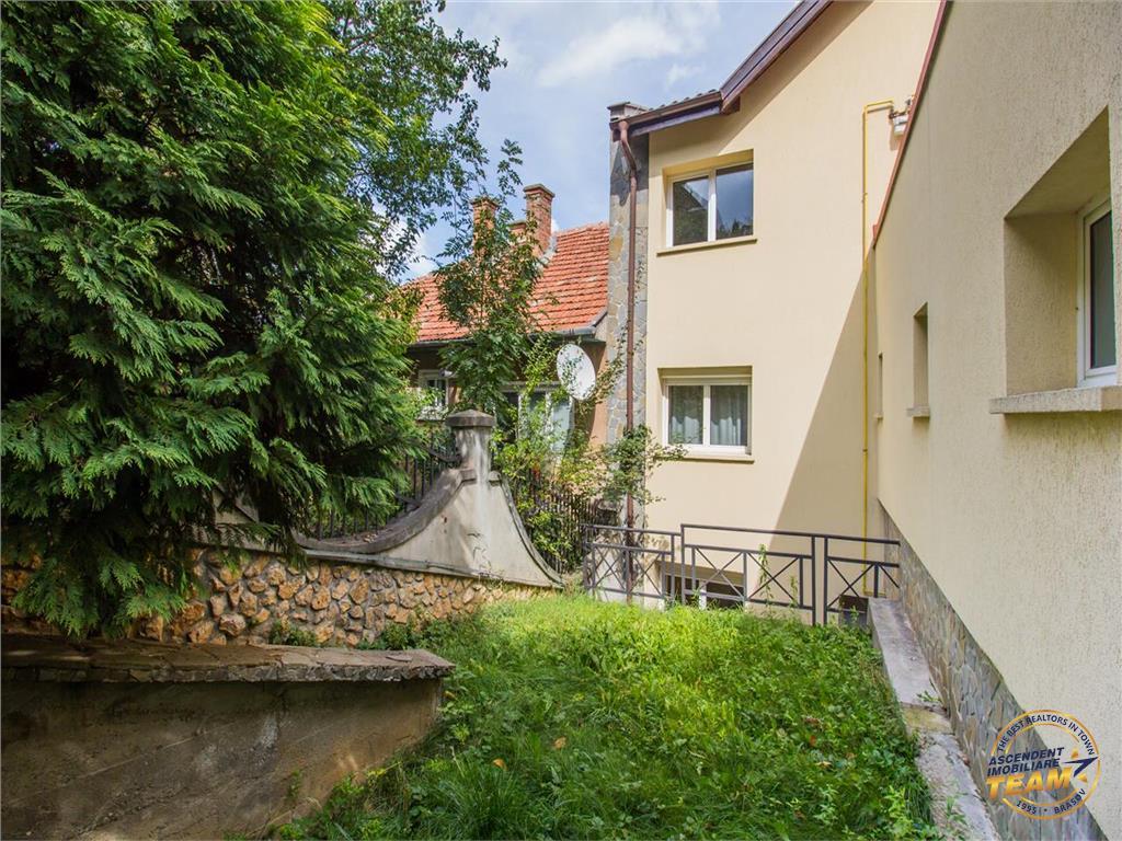 OFERTA TRANZACTIONATA!!! Nivel in vila, cu gradina si curte proprie, pozitie panoramica, Central, Brasov
