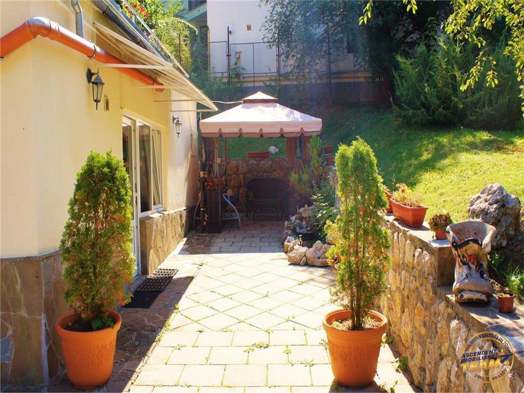 Apartament in vila,acces auto in curte,gradina,Centrul Istoric Schei, Brasov