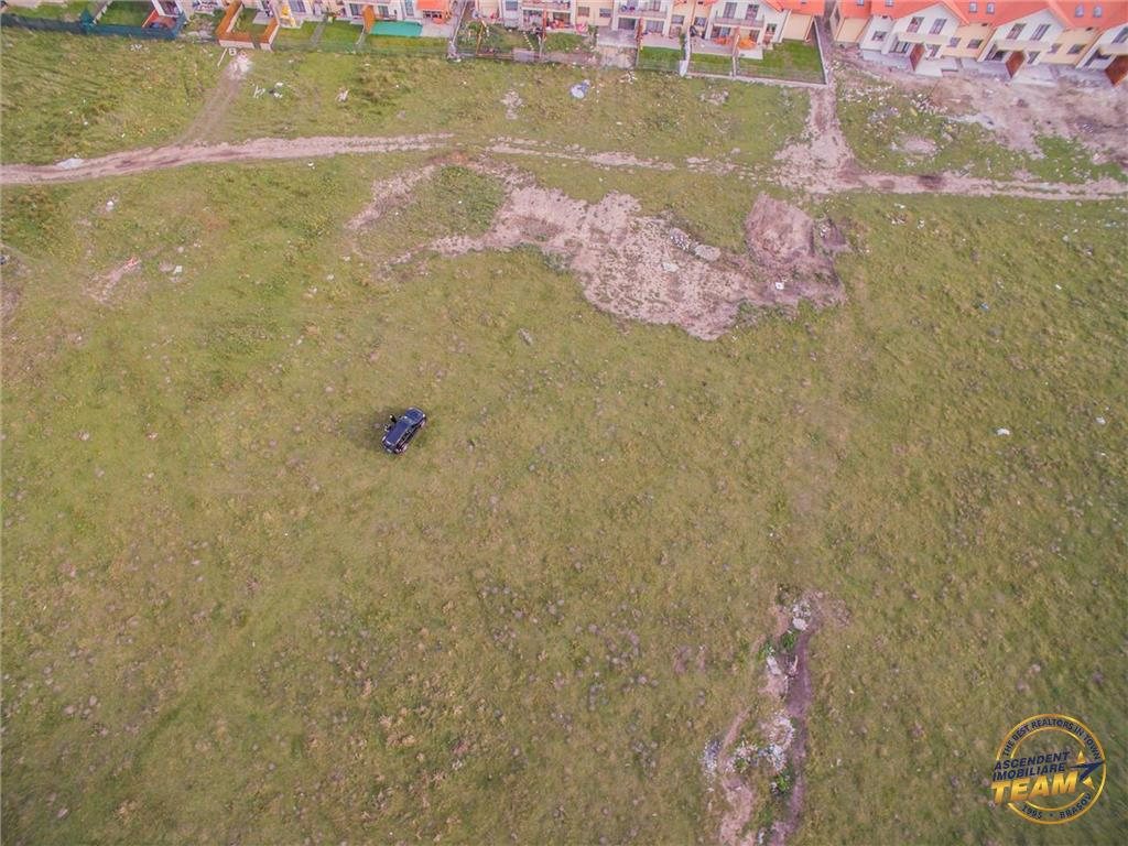Vezi Filmare cu drona! Special, teren intravilan, Brasov,  Sanpetru