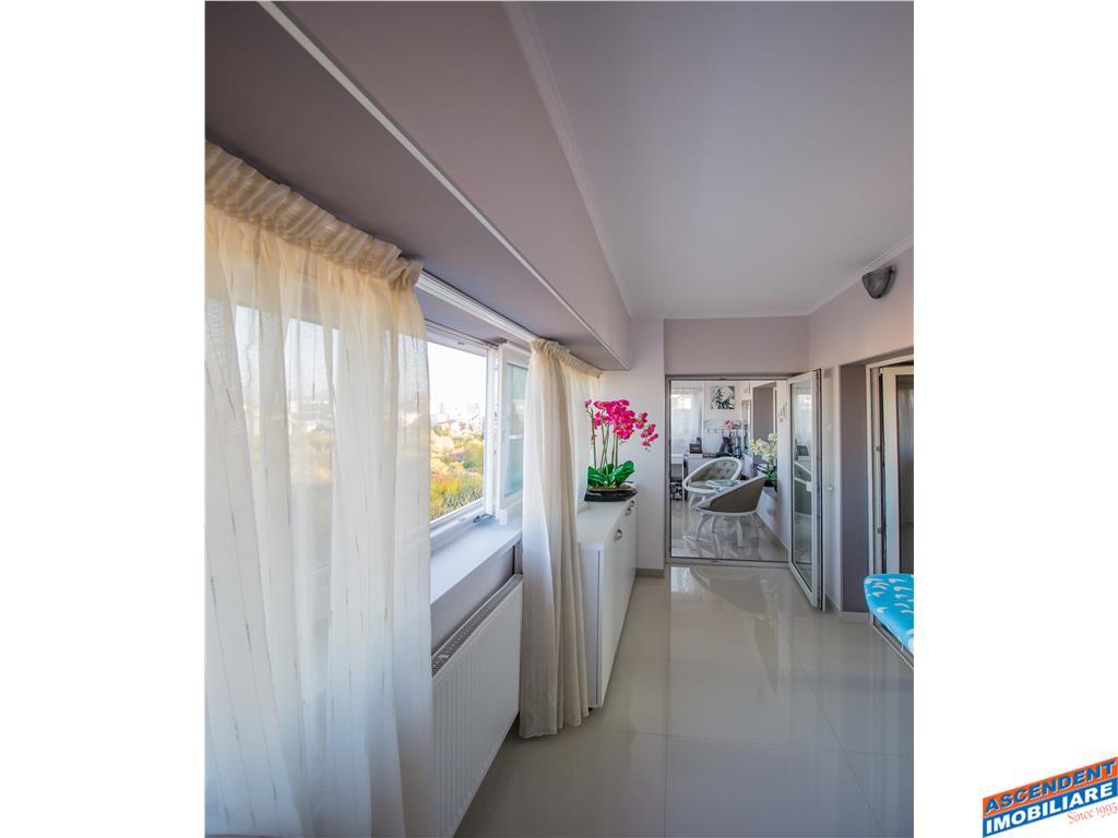 TUR VIRTUAL!! Reprezentativ penthouse, caminul care te tine la inaltime, Central,Brasov