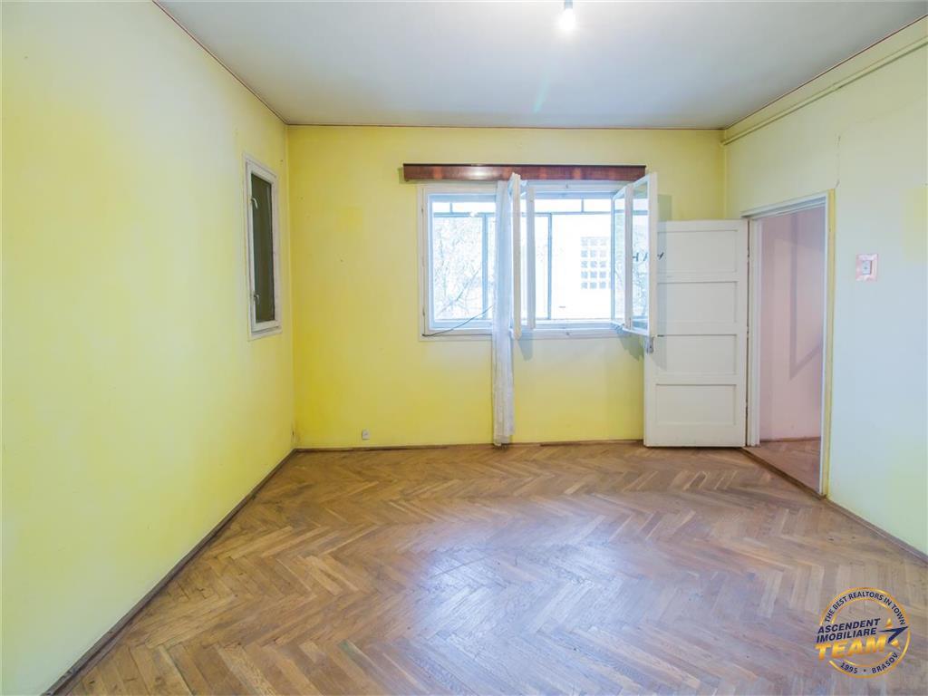 OFERTA TRANZACTIONATA!!Corp de casa, cu gradina proprie, zona Drumul Poienii , Brasov
