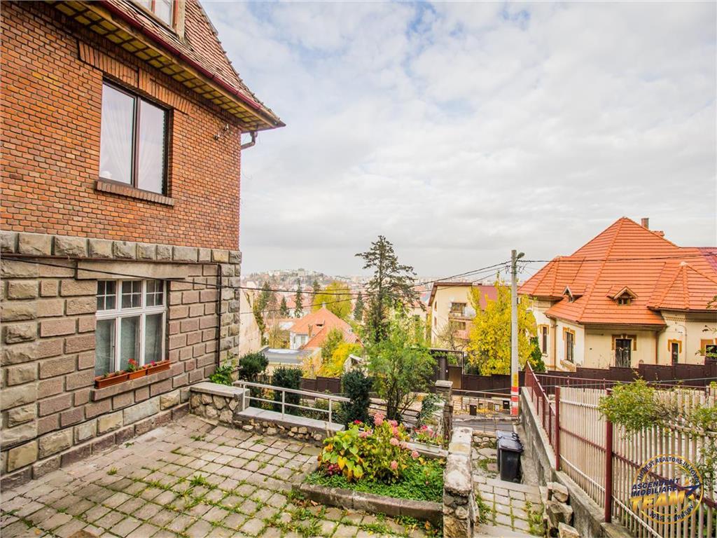 OFERTA TRANZACTIONATA!!!Nivel in vila, Central, gradina terasata, vedere panoramica, Brasov