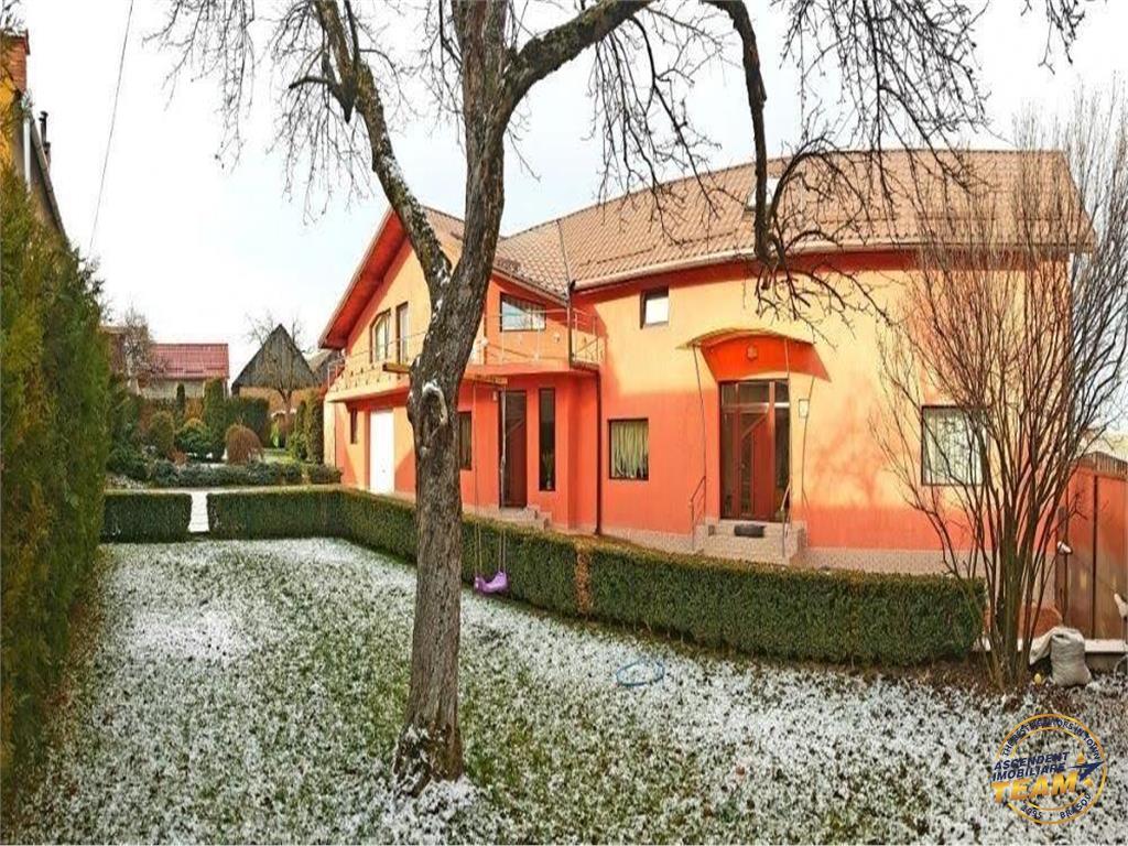 Casa/Vila Sacele, zona Cernatu